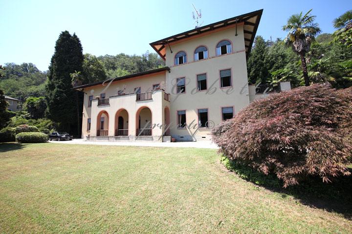 Паром Черногория-Италия - Черногория - недвижимость